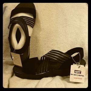 NWT Ladies SKECHERS Black Relaxed Step Sandals Sz8